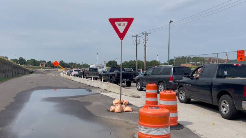 Back to school pick up and drop off traffic causes congestion on roads