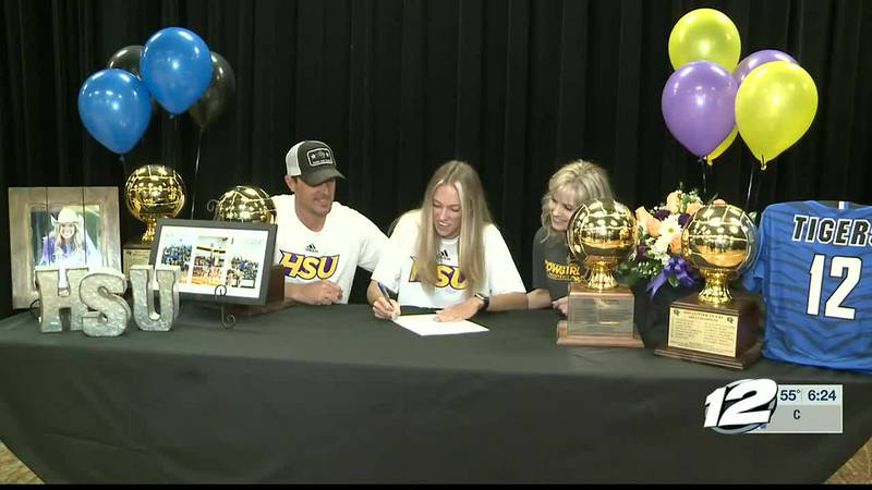 Gunter duo sign to play college volleyball