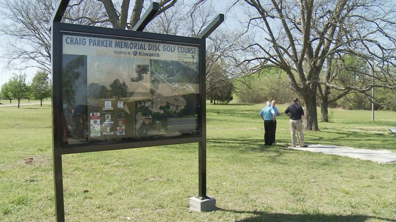 Craig Parker Memorial Disc Golf Course cuts ribbon to officially open up new location