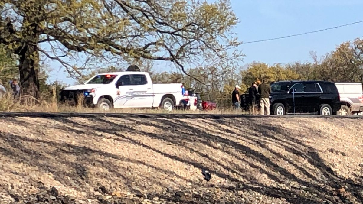 Deputies are staging in an area off Enos Road south of US Highway 70 near Kingston in Marshall County (KXII).