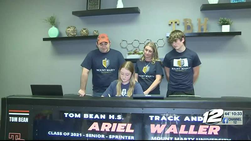 Tom Bean's Waller signs with Mount Marty