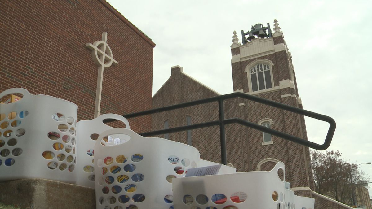 Members of the First Presbyterian Church in Ardmore handed out Thanksgiving baskets on Saturday...
