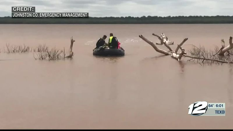 What caused the boat to sink at Tishomingo Wildlife Refuge.