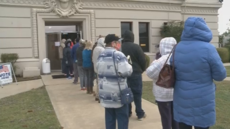 Early voters in Durant waited an average of 45 minutes to an hour to cast their ballots.