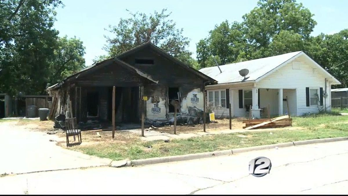 An Ardmore man lost his house to a fire Sunday night.