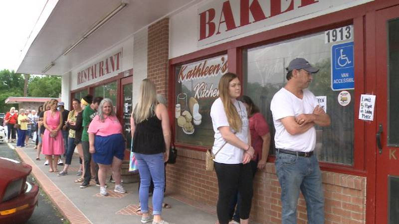 There was a line out the door Friday morning with folks waiting to get a lunch table or...