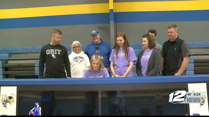 Dodd City's Dani Baccus signs with Hardin-Simmons