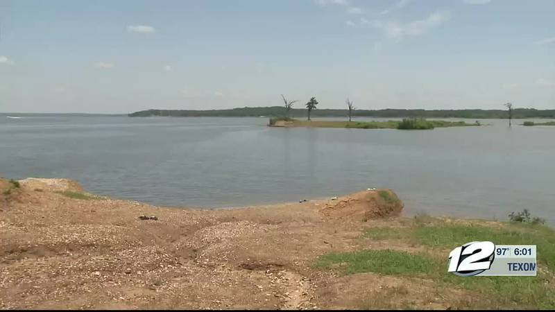 A Sherman man lost his life Sunday after he drowned in Lake Texoma, trying to swim to shore.