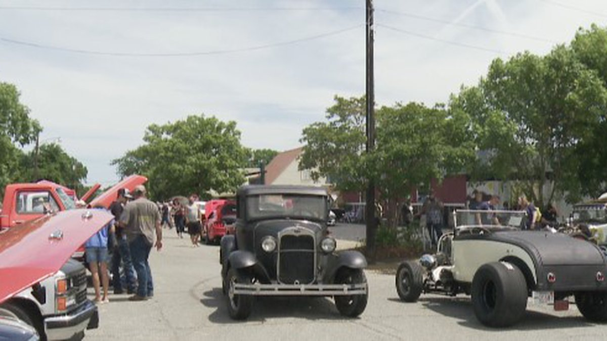 Watson Classic Drive-In in Denison host car show to raise money for C7 charity